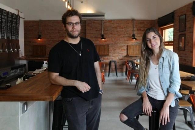 Os sócios Fabio Comolatti e Julia Fraga no novo Ambar em Pinheiros