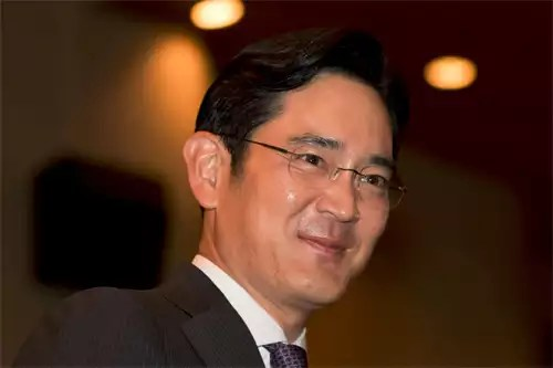 Samsung co-CEO: We are committed to earn back your trust