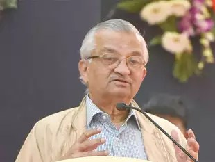 Anil Kakodkar today congratulated the team of Indian scientists who contributed to the research on gravitational waves.