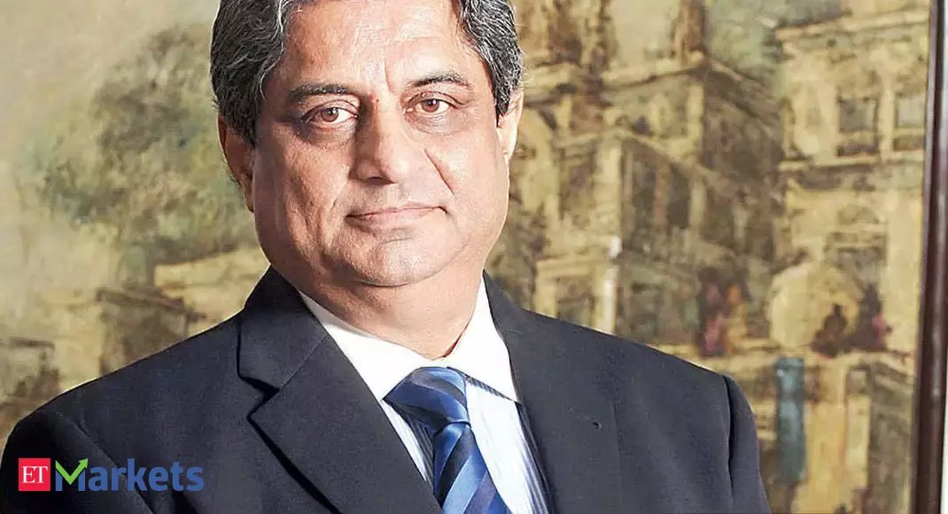 Aditya Puri sells shares worth Rs 843 crore in HDFC Bank