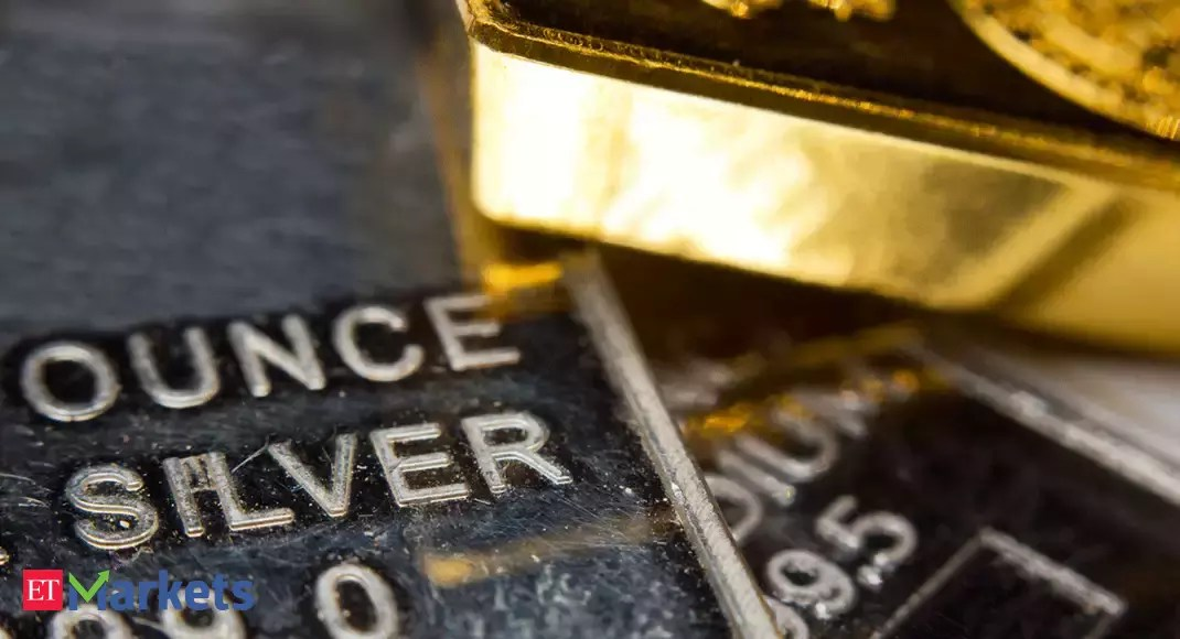 Gold prices today slip on weak global trend; silver firm