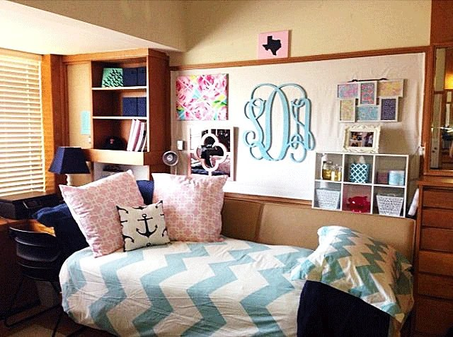 Dorm Room Decor // Wooden Monogram Wall Hanging // Dorm Room