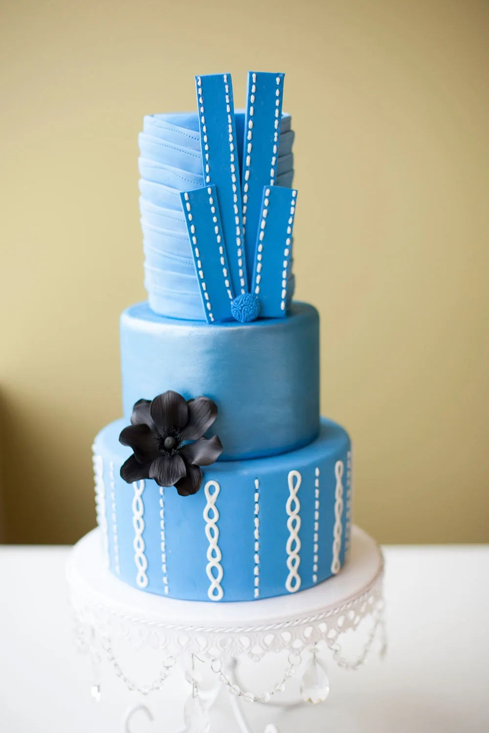 Nice Traditional Danish Wedding Cake Ornament   Blue Wedding Color     Outstanding Danish Wedding Cake Picture Collection   Blue Wedding