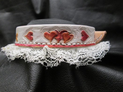 Leather & lace collar , s...