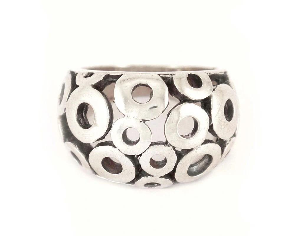 Polka dot ring