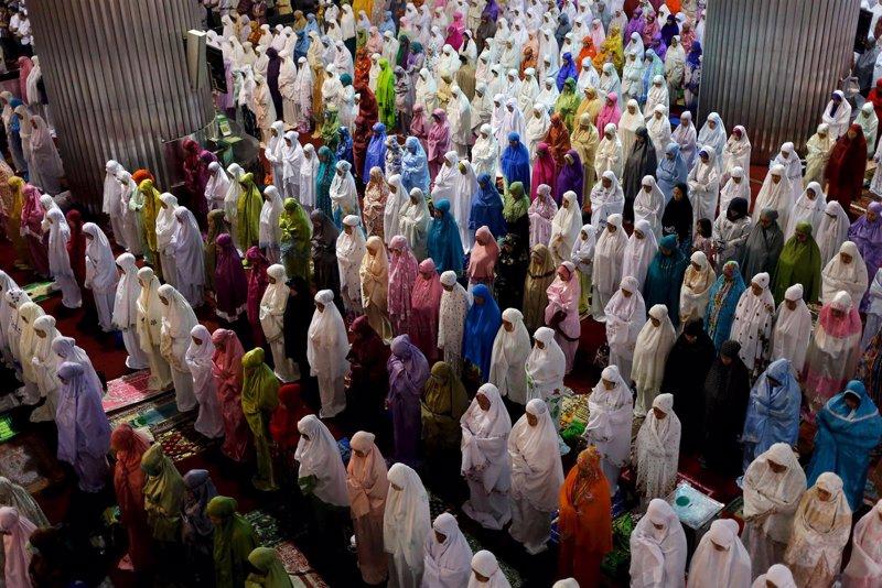 Resultado de imagen de el Ramadán, que finaliza con la fiesta del Aïd A-Seguir)