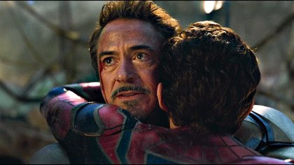 Emotional goodbye to Robert Downey Jr (Iron Man) on his last day of filming on Avengers: Endgame