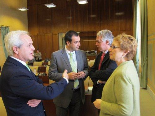 Consejera de Hacienda y Admon Pública, Carmen Martinez Aguayo, con diputados