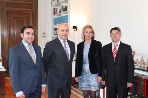 Reunión Ceaje Con Ministro De Educación, Cultura Y Deporte