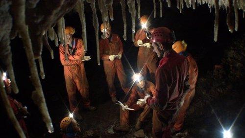 La ESA imparte a sus astronautas formación subterránea en cuevas