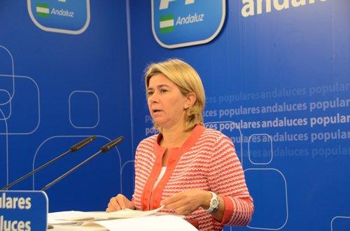 La portavoz de Empleo del Grupo Popular en el Parlamento, Teresa Ruiz Sillero