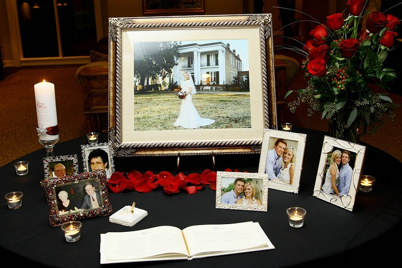 20 Great Ways To Honor Deceased Parent At Wedding