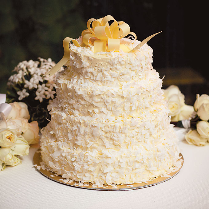 20 Best Wedding Cake Flavors and Ideas for Different Seasons     20 of the Best Wedding Cake Flavors