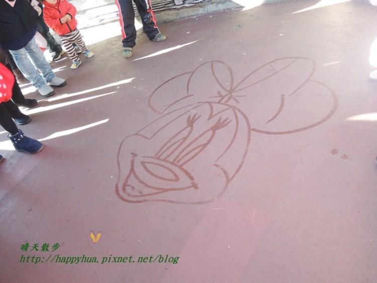 [日本]東京迪士尼樂園∥清潔人員變畫家:用掃把沾水畫米妮,可遇而不可求的精彩表演!