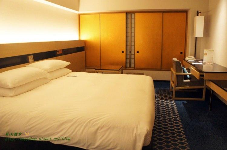 東京親子住宿︱東京灣希爾頓飯店Hilton Tokyo Bay~雙人房King Hilton Guestroom:迪士尼公認飯店 帶點日式風情 免費接駁車 暢遊迪士尼最方便