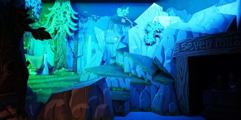 [日本]東京迪士尼樂園∥夢幻樂園:白雪公主冒險旅程~跟想像完全不一樣的暗黑版 聽說有小孩哭著離開