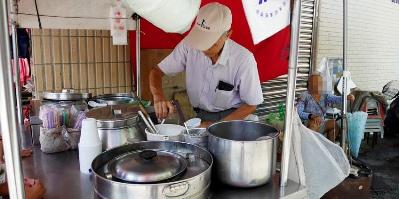 第三市場小吃 │阿伯無名豆花攤 台中文創園區逛市集 第三市場吃傳統豆花