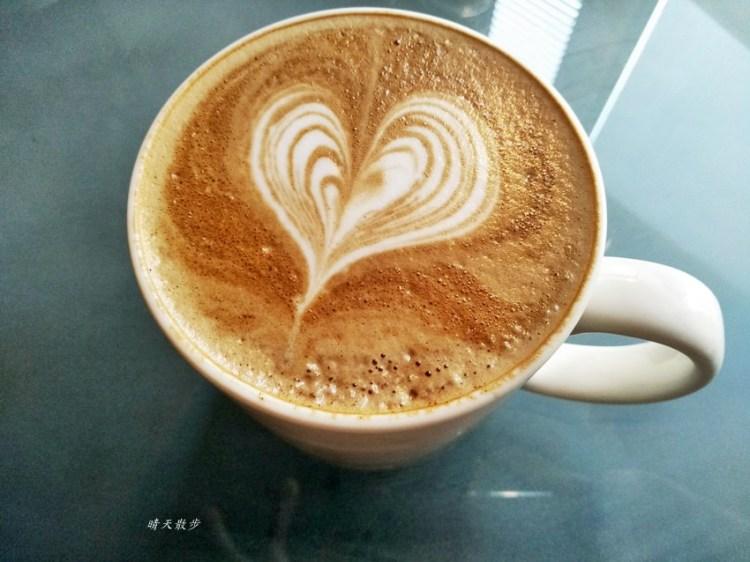 台中下午茶︱啡文學大英店~附插座、wifi 不限時間 近大墩路、公益路的咖啡館