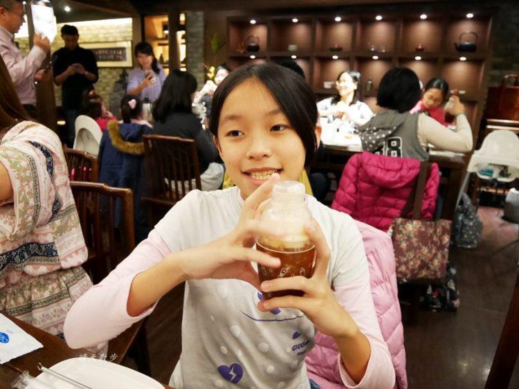 台中親子 春水堂珍珠奶茶DIY手搖體驗~搖出全世界最好喝的泡沫紅茶、珍珠奶茶 還有證書和雪克器帶回家(台中午茶生活節)