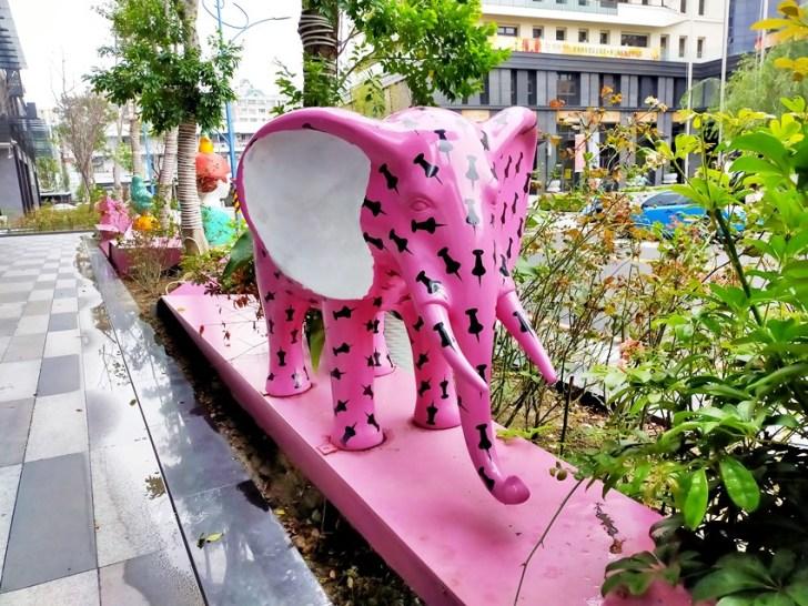 20200314003342 91 - 大里東湖公園│大里Dali Art 文創藝術廣場旁公園,大型裝置藝術作品,讓平凡公園變得超可愛!