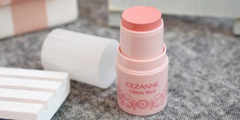 【日本藥妝戰利品】CEZANNE Cheek Stick 蘋果肌腮紅棒 #01蜜桃粉Peach Pink