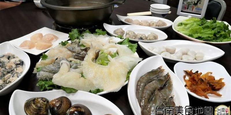 【台南市-安平區美食】從永華路的『台南茄萣魚翅火鍋』移來中華西麥當勞旁的【丸鮮魚翅牛豬平價火鍋】!提供各式新鮮的海味,甚至老客戶嘴饞的預訂珍品~來這都能一飽口福啦٩(♡ε♡ )۶
