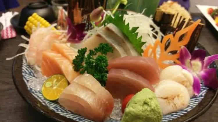【台南市-安南區美食】八老爺吃飽喝足日式家庭料理。「聚餐好所在」餐點多樣化!有著刺身、壽司、烤物、炒物、中午限定定食~果然是有吃飽喝足的概念