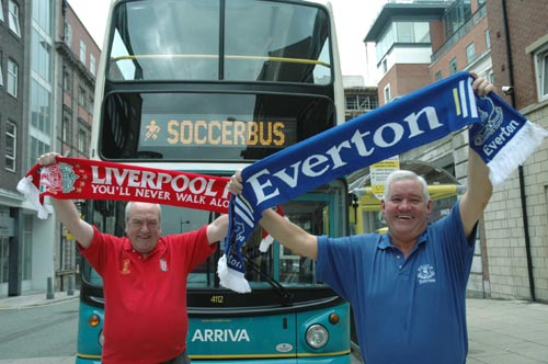 everton-liverpool-fans1