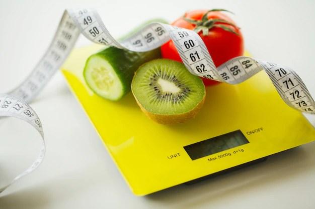 dieta-frutas-e-vegetais-com-fita-metrica-na-escala-de-peso_118454-3598.jpg?size=626&ext=jpg&ga=GA1.2.890310161 Como perder barriga em menos de um mês