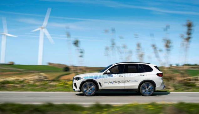 BMW IX5 Hydrogen Can Be Actively Experienced For The First Time At The IAA Mobility 2021.