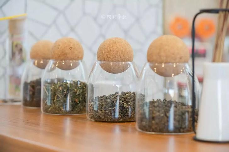 DSC06424 - 熱血採訪│台中飲料新選擇,100%台灣茶製作的徐可波,網美必拍的超狂仙草(已歇業)
