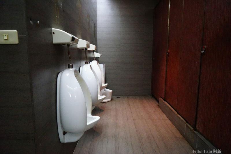 逢甲廁所-24