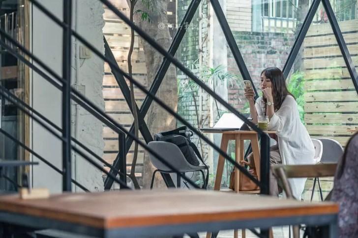 DSC00482 - Workshop Tea Room & Foods|台中超好拍歐洲茶罐打卡牆,建築黑色質感必拍,店家全天候供餐!