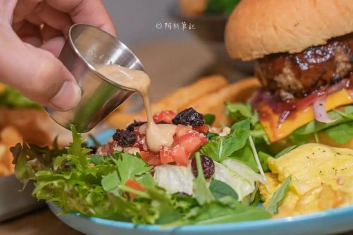 DSC05956 - 熱血採訪│如何漢堡,隱藏街道內的手打漢堡排超級厚!還有韓式泡菜豬五花丼的如何漢堡