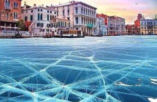 [攝影藝術]威尼斯水都河面結冰攝影