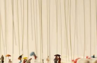 [攝影藝術]小人世界-麵條雨