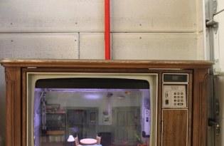 [裝置藝術]復古木櫃電視水族缸
