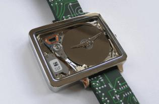 [手錶設計]電腦硬碟造型機械錶「HDDWatches」