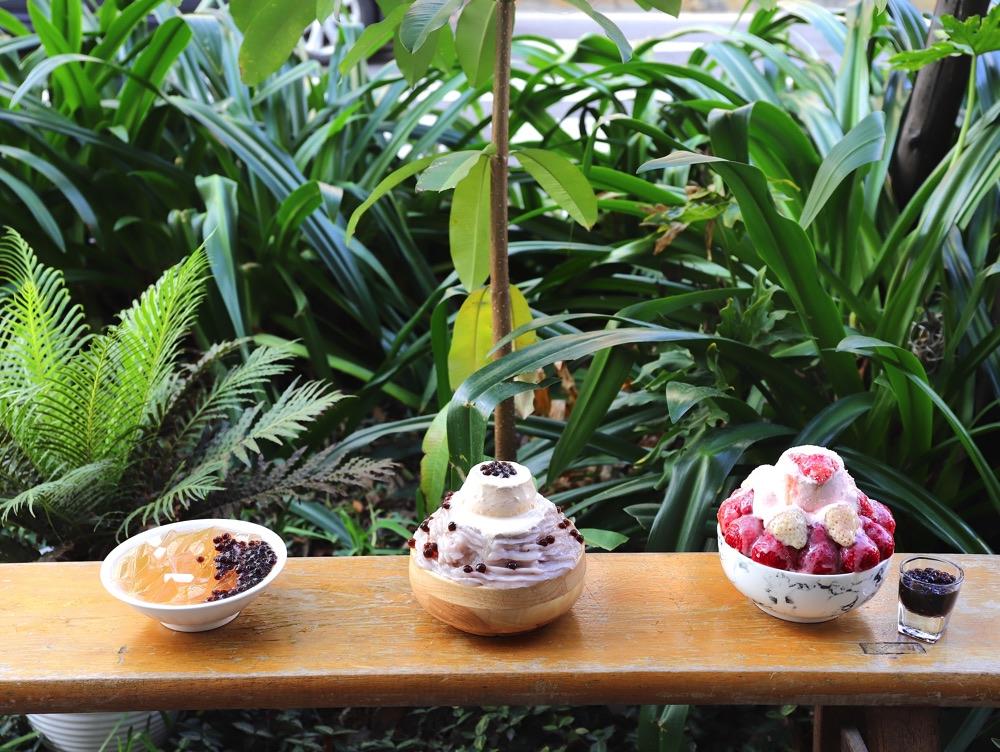 雪兔白草莓冰奢華粉嫩上市|清水堂3.0再升級 之 我把整座鋼琴搬進愛玉冰店啦!|帶有水蜜桃香的雪兔白草莓.新奇的奢華美味