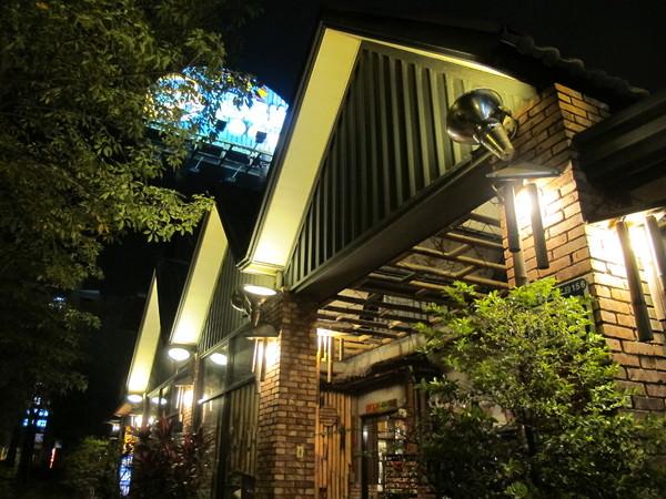 (台南。北區美食)《美味跳起來》活跳跳的全蝦料理~ 西海岸活蝦之家