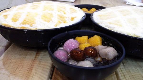 (台南。安平區美食)台南東區焦糖煉乳包心粉圓(安平店)