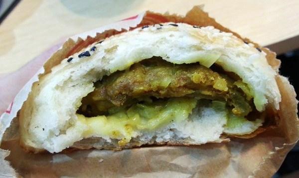 (台南。北區美食)台南街旁的古早美味 就在『福州香!胡椒餅』