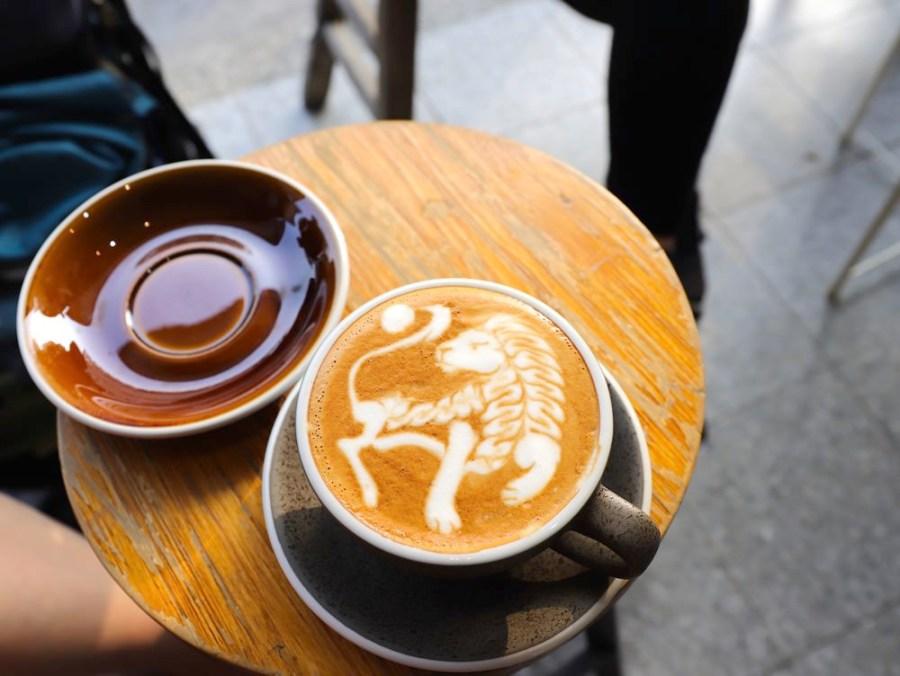 睿咖啡 Barista_ray coffee:台南冠軍拉花咖啡,插旗臺南美術館2館旁,用銅板價格就能喝到一杯擁有藝術拉花的好咖啡