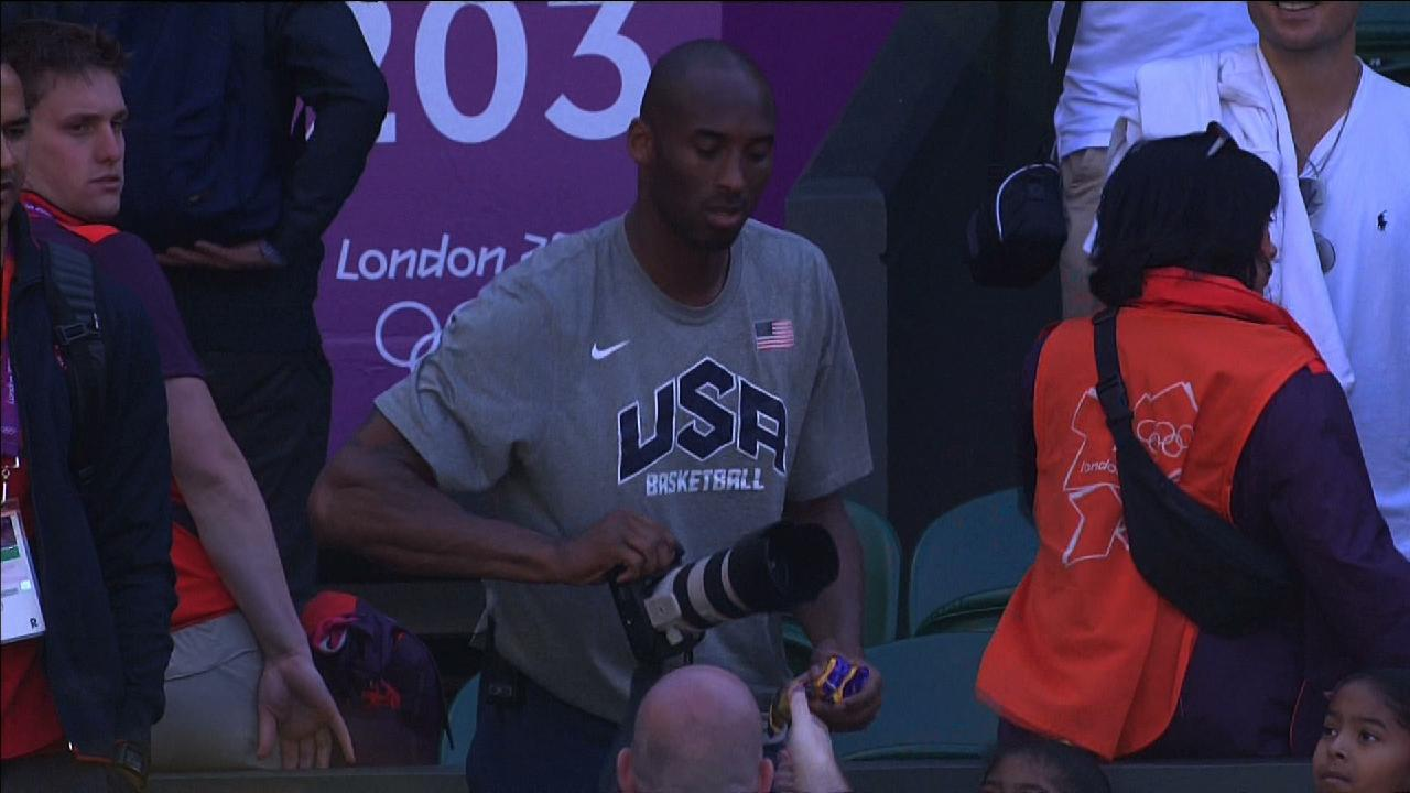 Click here to read Now Kobe Bryant Has Trouble With His Camera, Has To Be Told To Remove The Lens Cap