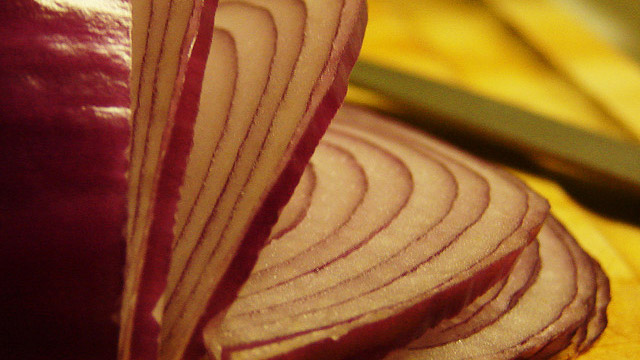 Slice Onions a Specific Way to Affect Their Flavor and Intensity