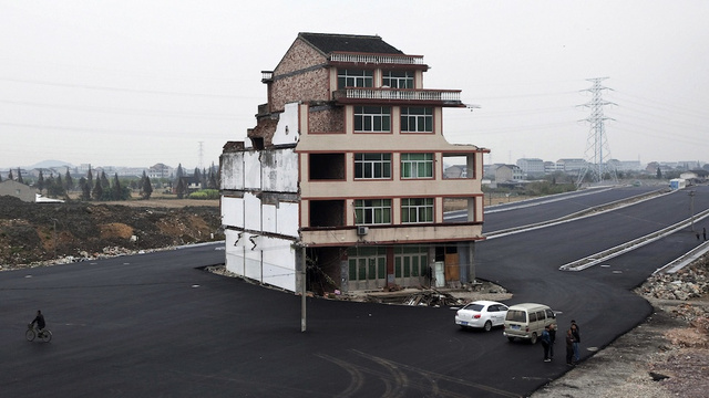 "Unbelievable ""nail houses"" around the world"
