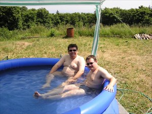 wir im Pool