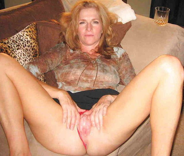 Horny Mature Wife Spreading And Wanking Her Sloppy Snatch