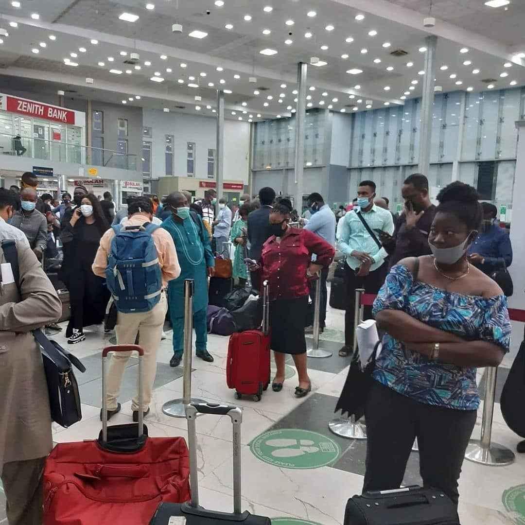 Passengers Stranded As Arik Airline Staff Begins Strike Action This Morning 2