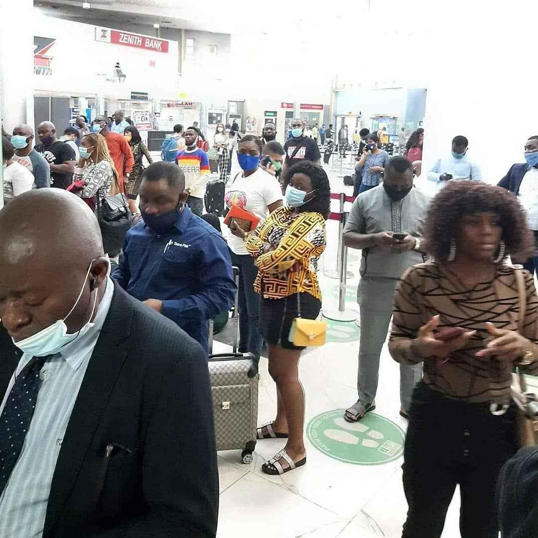 Passengers Stranded As Arik Airline Staff Begins Strike Action This Morning 3